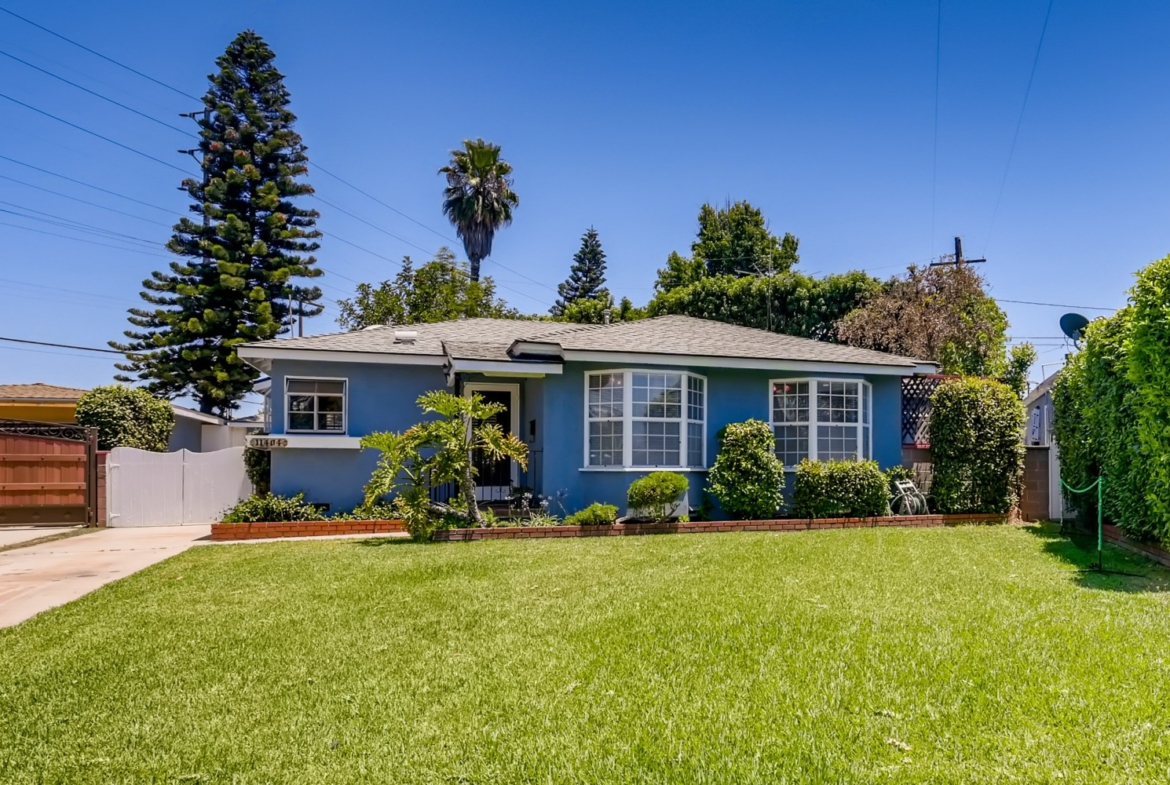 11404 Pruess Ave Downey CA - Web Quality - 002 - 02 Exterior Front